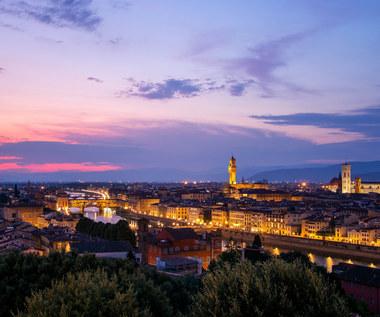 Wakacje. Stolica Toskanii ogranicza nocne życie