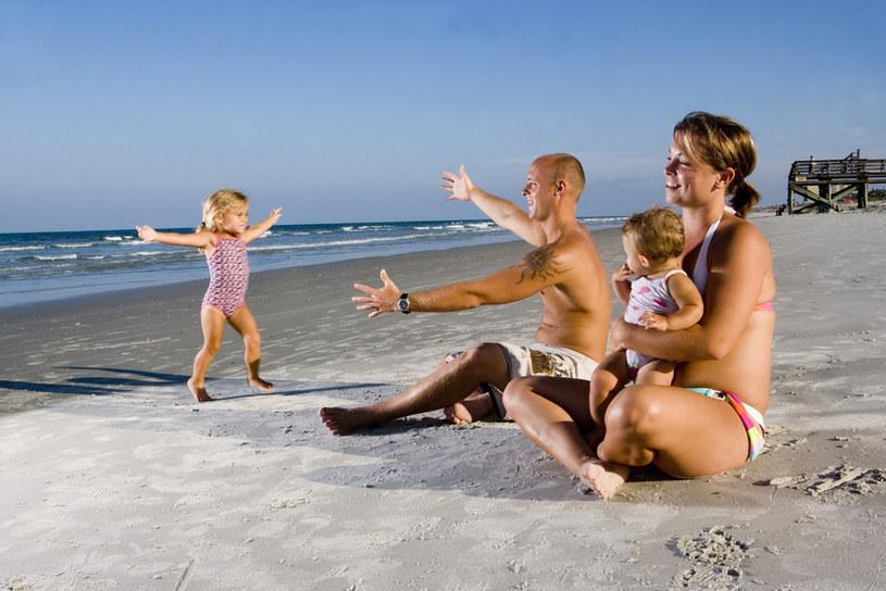 wakacje z dzieckiem nad morzem /© Photogenica