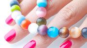 Wakacyjne kolory paznokci