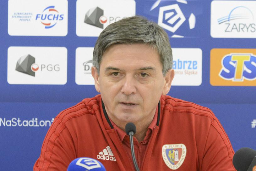 Waldemar Fornalik pokonał koronawirusa, ale opuścił kilka spotkań swojej drużyny /Michał Dubiel /East News
