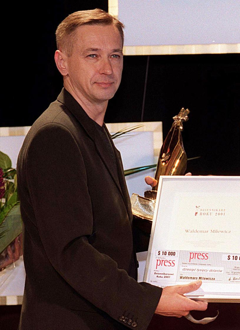 Waldemar Milewicz, Dziennikarz Roku 2001 /Radek Pietruszka/PAP /East News