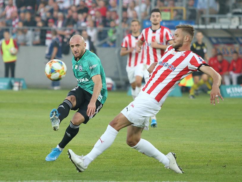 Walerian Gwilia (Legia, z lewej) i David Jablonsky z Cracovii /Damian Klamka /East News
