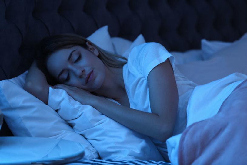 Waleriana ułatwia zasypianie /©123RF/PICSEL