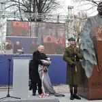 Wałęsa odsłonił pomnik Reagana w Warszawie