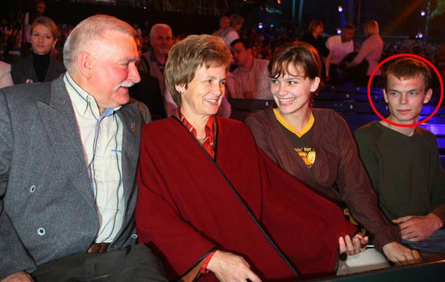 Wałęsowie z córką Brygidą i przyszłym zięciem w Sopocie - 2006 r. /Piotr Fotek /Reporter