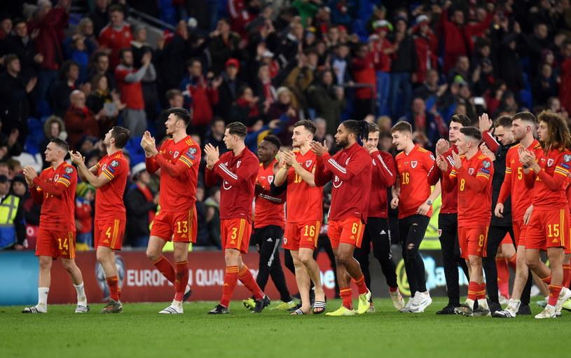 Walijczycy świętują awans do Euro 2020 /PAP/EPA/PETER POWELL /PAP/EPA