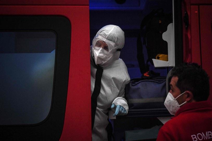 Walka z koronawirusem/ zdjęcie ilustracyjne /PATRICIA DE MELO MOREIRA /AFP