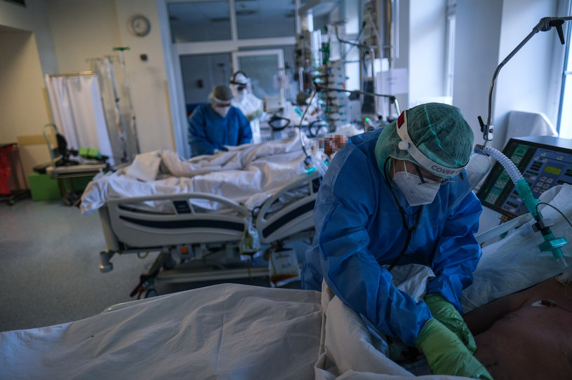Walka z koronawirusem; zdjęcie ilustracyjne / Omar Marques /Getty Images