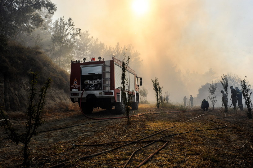 Walka z pożarem na Rodos /PAP/EPA