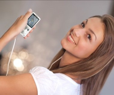 Walkman S750 - 2 cale muzyki