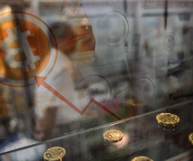 Waluty: Wstrząs na rynku kryptowalut, bitcoin w amoku