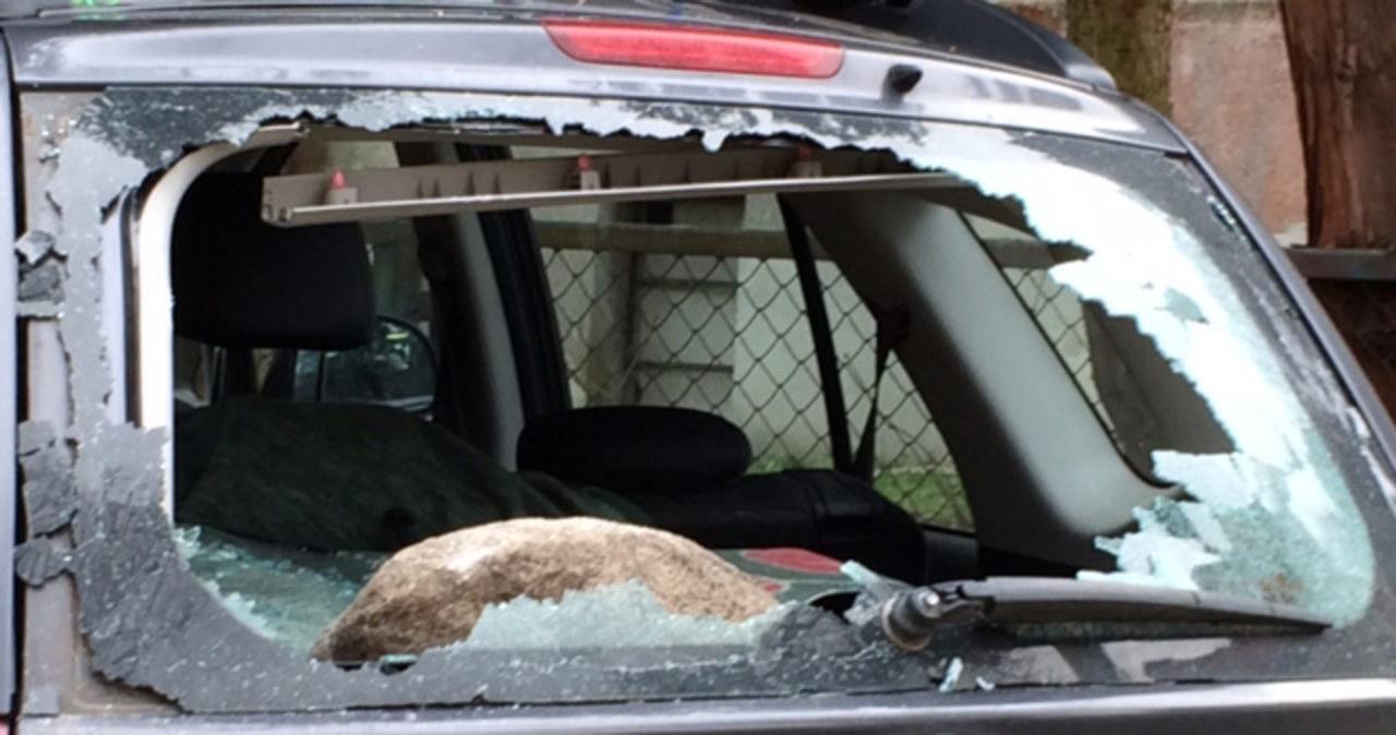 Wandale zniszczyli dziesięć aut w Gdańsku