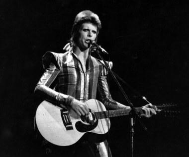 Wandale zniszczyli pomnik Davida Bowiego