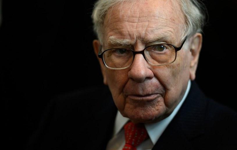 "Warren Buffett odradza inwestorom ""stadne"" zachowania /AFP"