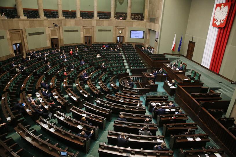Warszawa, 17.12.2015. Posiedzenie Sejmu /Tomasz Gzell /PAP