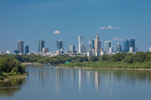 Warszawa 2018. Widok na stolicę Polski z mostu Siekierkowskiego. /Arkadiusz Ziółek /East News