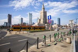 Warszawa jak Kraków. Aut nie ma, smog pozostał