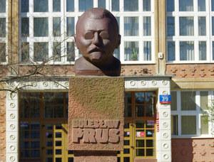 Warszawa: Koronawirus w liceum. Uczniowie i nauczyciele na kwarantannie