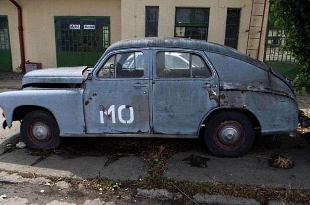 Warszawa M-20 jako radiowóz Milicji Obywatelskiej. Fot: Cezary Pecold /Agencja SE/East News