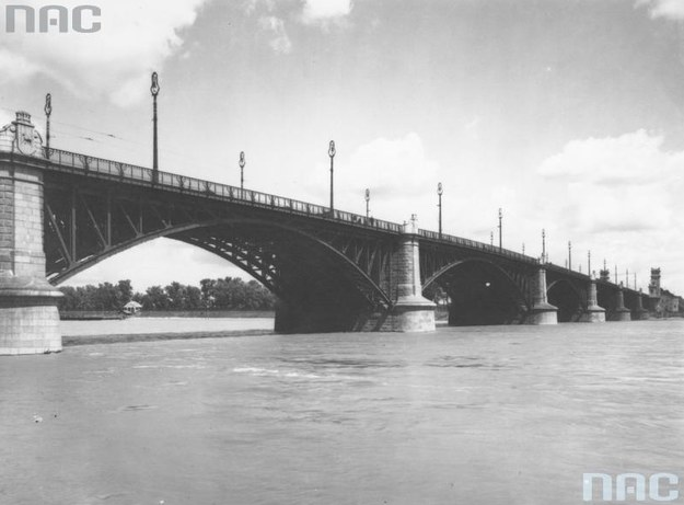 Warszawa. Most Poniatowskiego /Z archiwum Narodowego Archiwum Cyfrowego