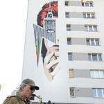 Warszawa: Odsłonięto mural dla Davida Bowiego