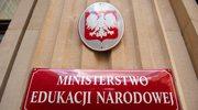 Warszawa: Pikieta popierająca protest nauczycieli przed MEN