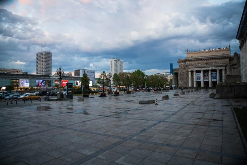Warszawa: Plac Defilad /Adam Burakowski /Reporter
