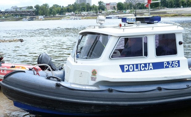 Warszawa: Poszukiwania mężczyzny, który spadł ze skutera wodnego