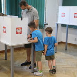Warszawa: Reanimacja przed lokalem wyborczym