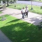 Warszawa: Ukradli cenny sprzęt dla niemowląt. Policja publikuje fotografie