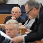 Warszawa: W wyborach do Senatu wszystkie mandaty dla opozycji
