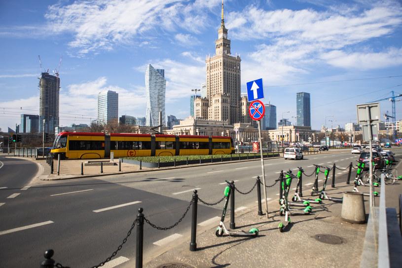 Warszawa wymarła a smog nie zniknął. To najlepszy dowód, że auta nie są problemem /Adam Burakowski /Reporter