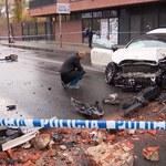 Warszawa: Wypadek po policyjnym pościgu. Trzy osoby w szpitalu