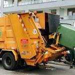 Warszawa: Zderzenie autobusu ze śmieciarką. 5 osób rannych