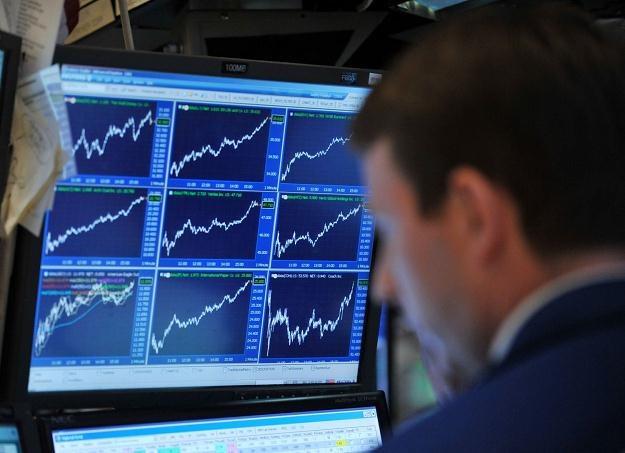 Warszawski rynek papierów dłużnych został zdominowany przez cztery branże /AFP
