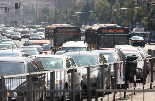 Warszawski zintegrowany system zarzadzania ruchem miał usprawnić ruch samochodów w centrum i na Powiślu /Fot. Wojciech Traczyk /East News