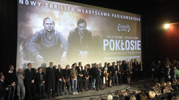 """Warszawskie kino Atlantic było wypełnione po brzegi podczas premiery """"Pokłosia"""" / fot. Kurnikowski /AKPA"""