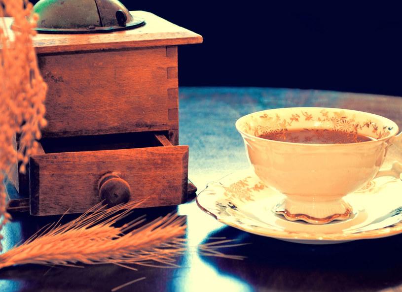 Warto docenic kawę zbożową /123RF/PICSEL