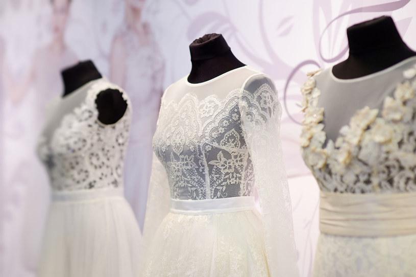 Warto iść na targi ze swoim pomysłem. Wizją tego jak nasze wesele i ceremonia powinna wyglądać. /123RF/PICSEL