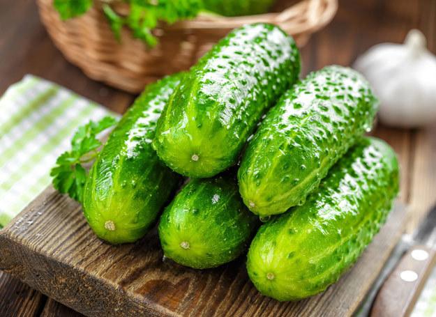 Warto jeść świeże ogórki /123RF/PICSEL