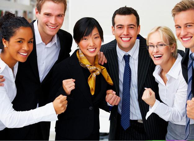 Warto mieć przyjaciół w pracy /© Panthermedia