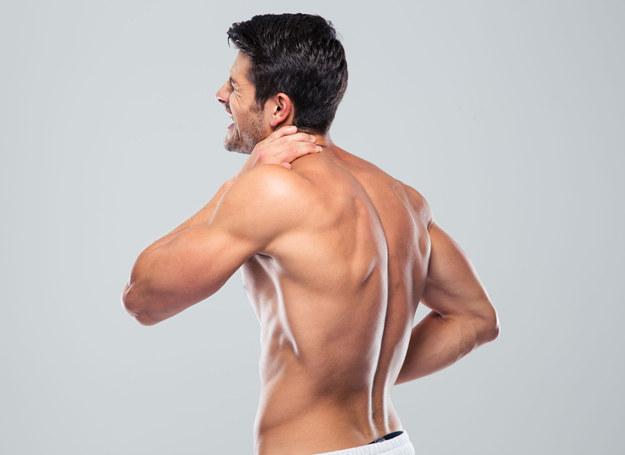 Warto poznać fakty i mity dotyczące schorzeń kręgosłupa /123RF/PICSEL