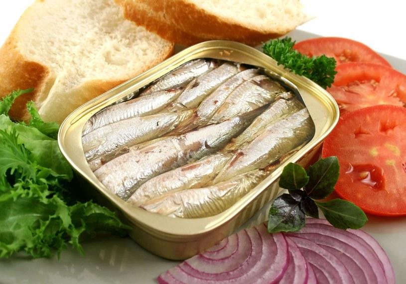 Warto regularnie jadać tłuste morskie ryby /123RF/PICSEL
