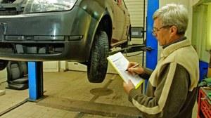 Warto sprawdzić, czy ubezpieczyciel nie zaniżył wartości pojazdu sprzed wypadku. /Motor