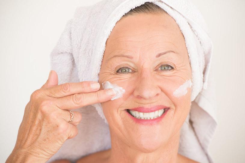 Warto używać kosmetyków własnej roboty, które będą pielęgnować twoją skórę jak dobry krem /©123RF/PICSEL