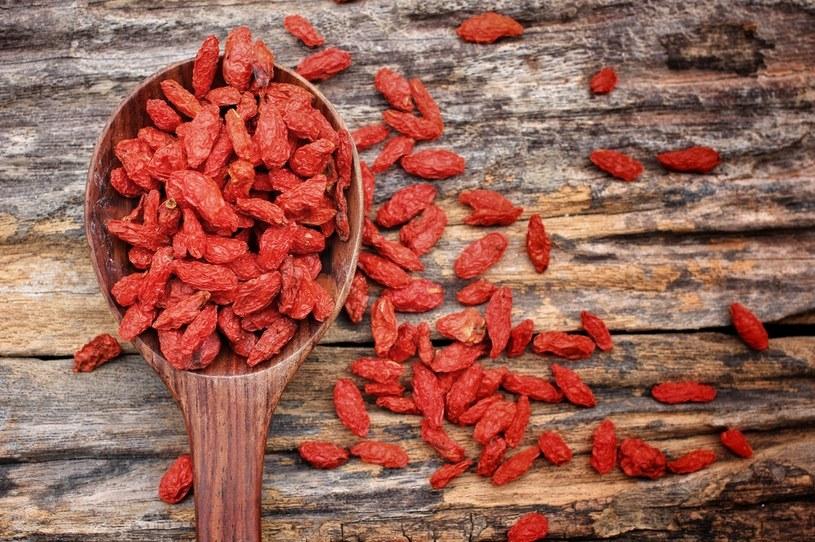 Warto wiedzieć, że jagody goji mają dużo kalorii /123RF/PICSEL