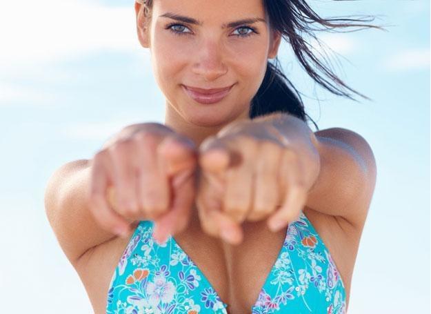 Warto zatroszczyć się o piersi, bo w każdym wieku mogą być narażone na chorobę /© Panthermedia