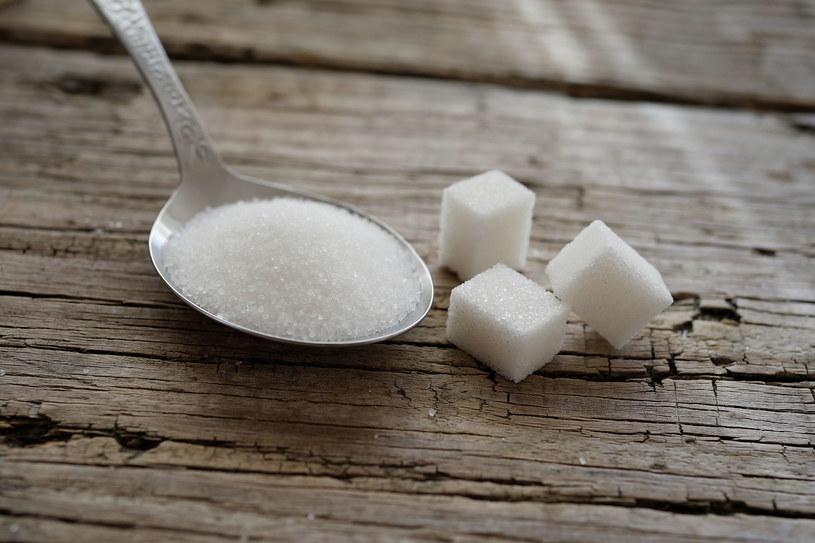 Warto zmiany w diecie dziecka zacząć od ograniczania ilości cukru /123RF/PICSEL