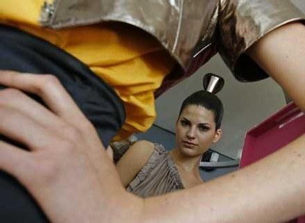 Warto znać mowę ciała /AFP