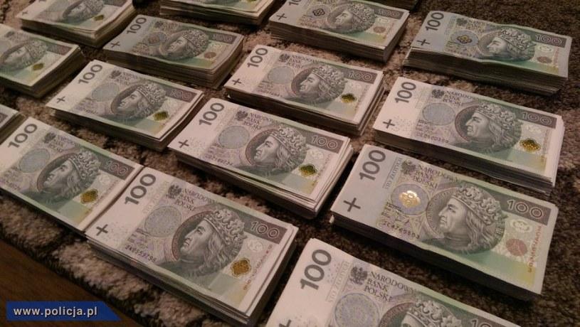 Wartość nielegalnego oprogramowania szacuje się na blisko 3 mln złotych /materiały prasowe
